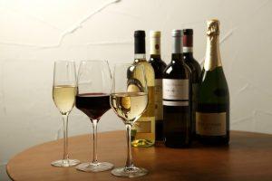 ワインとボトル01